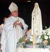 Russian archbishop crowns the IPVS in Fatima, Portugal